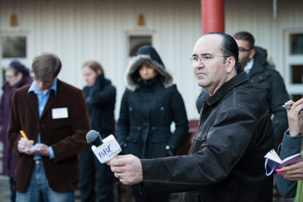 Organizer Riad Mustafa playing a reporter in the 2013 Halat hisar. Photo: Tuomas Puikkonen